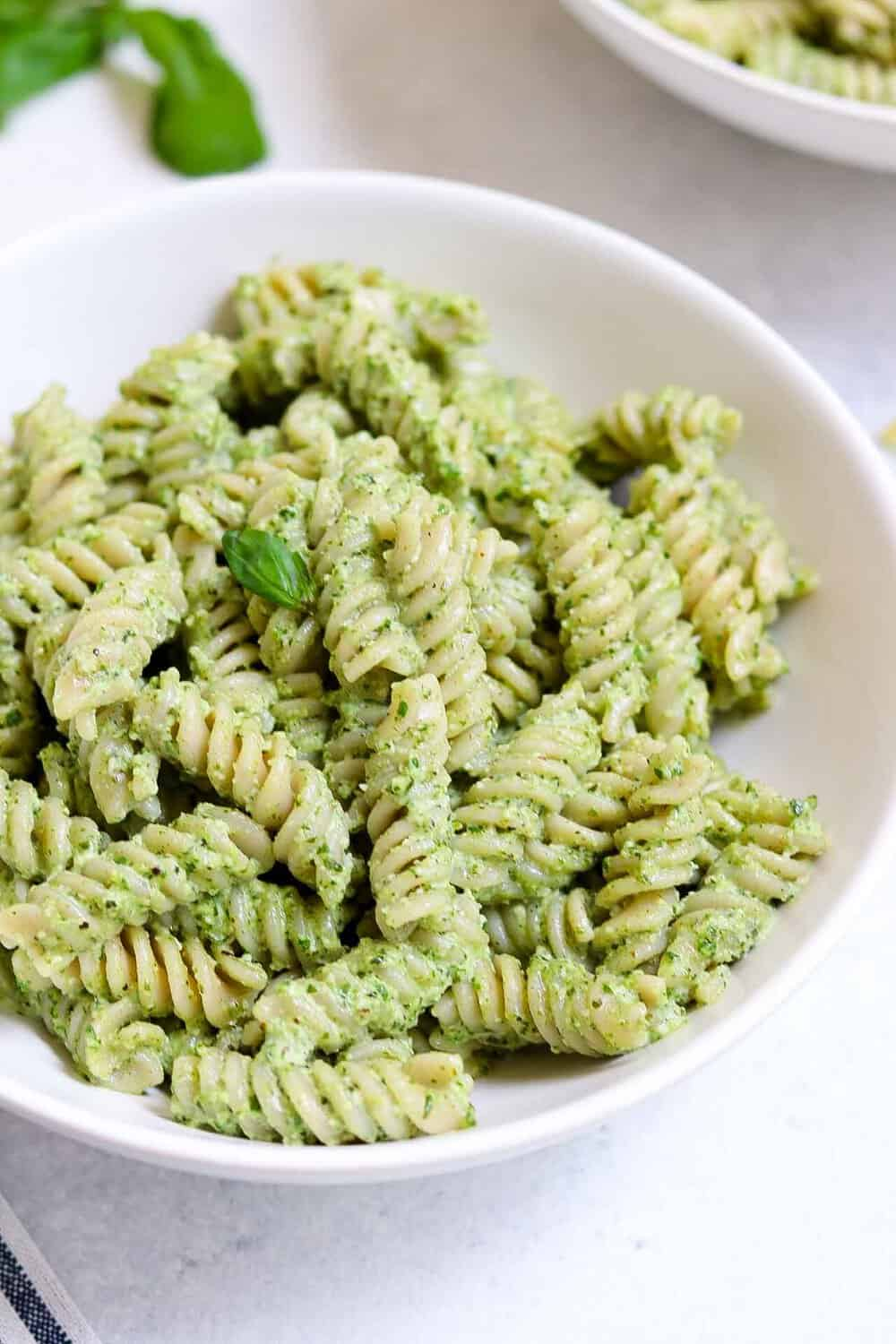 Vegan pasta with pesto in a bowl.