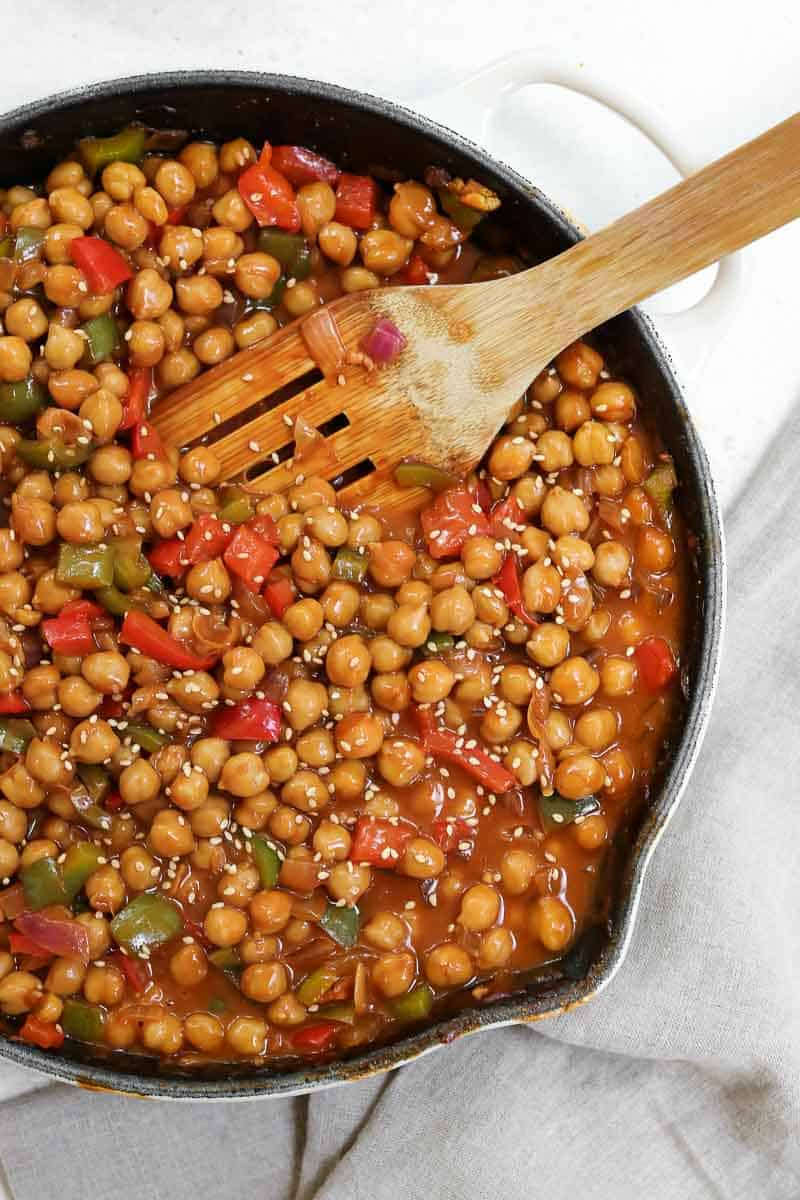 General tsos chickpea stir fry in a large skillet.