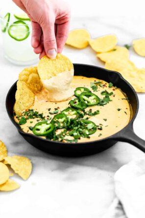 Creamy Vegan Cashew Queso
