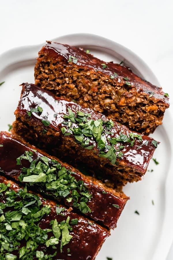 Vegan lentil loaf for a thanksgiving main dish recipe.