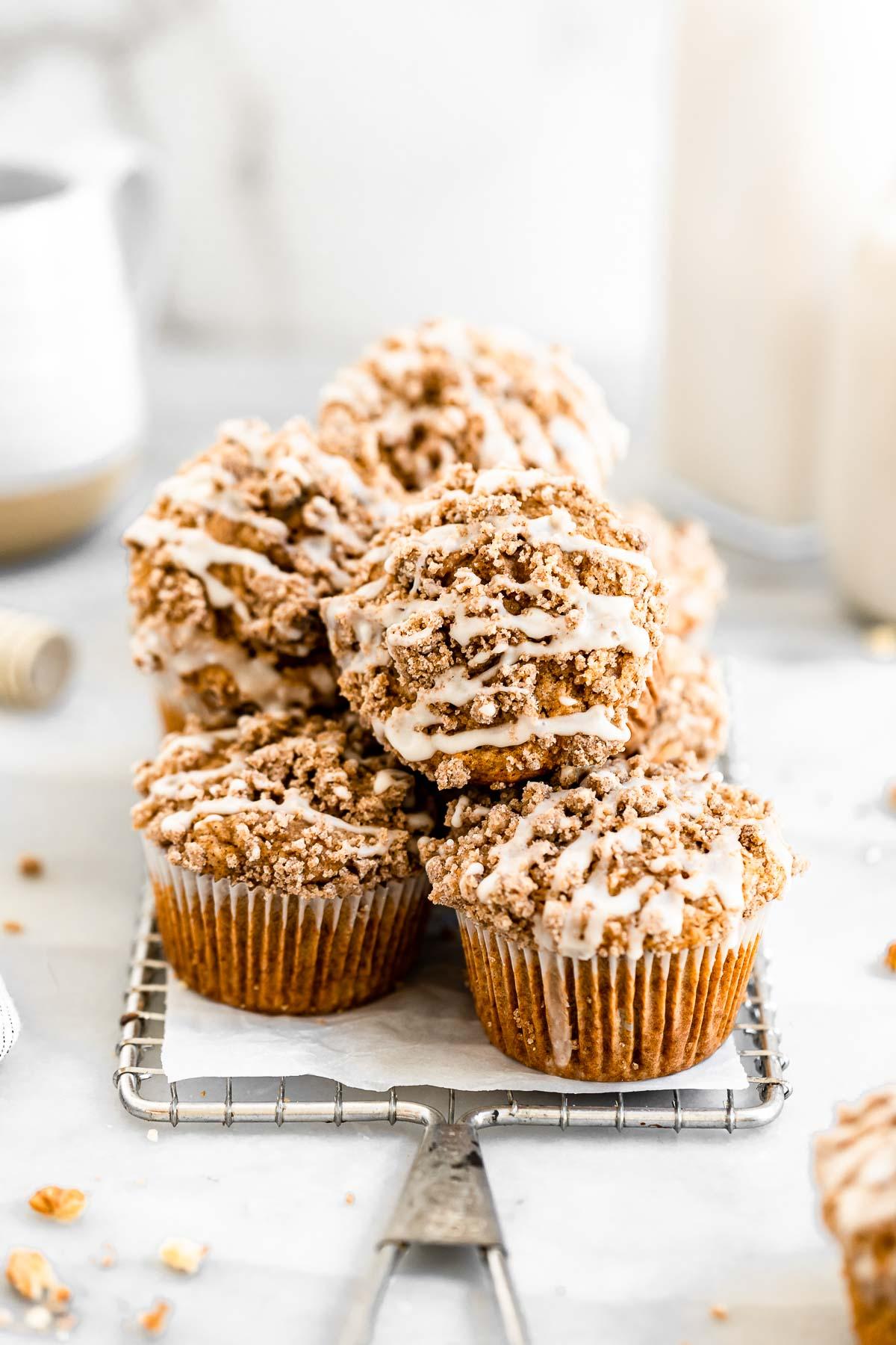apple muffins with cinnamon struesel