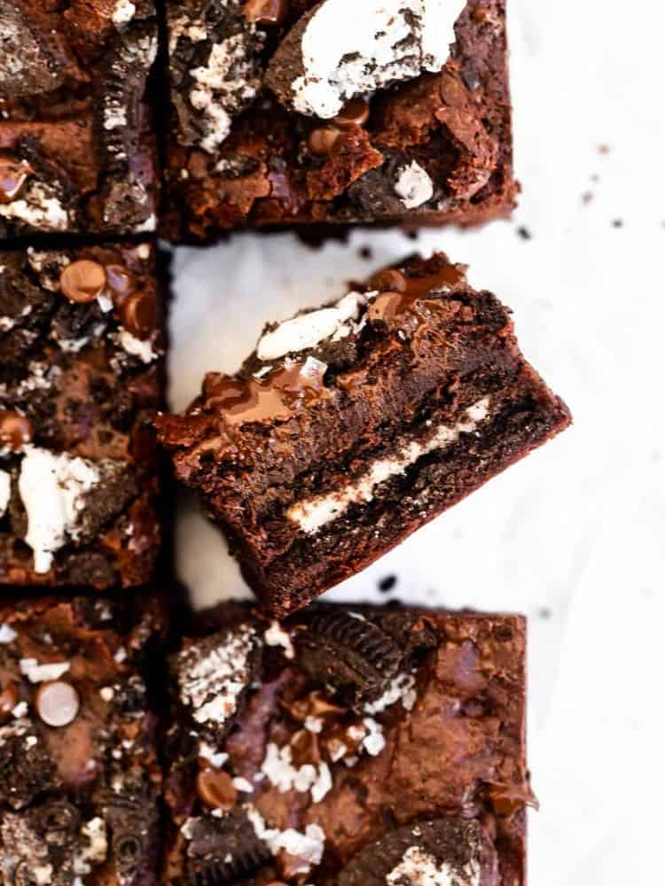 one gluten free brownie lying on the side