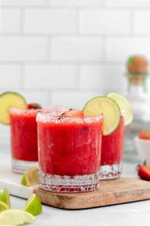 Skinny Frozen Strawberry Margarita